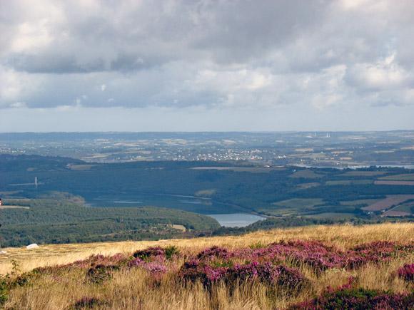 Vue depuis le Menez Hom, au coeur du parc naturel régional d'Armorique